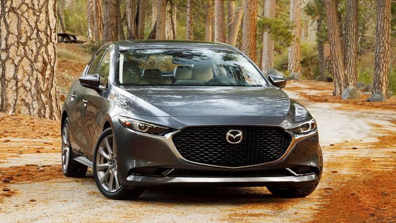 Những tính năng mới giúp Mazda 3 2020 cạnh tranh với Honda Civic - Ảnh 1
