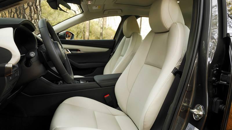 Những tính năng mới giúp Mazda 3 2020 cạnh tranh với Honda Civic - Ảnh 5