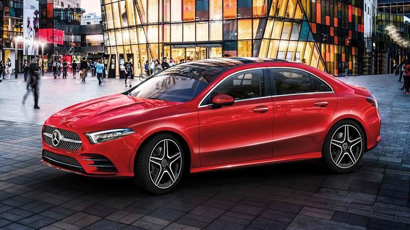Công bố giá bán Mercedes-Benz A-Class 2018 thế hệ mới - Hình 1