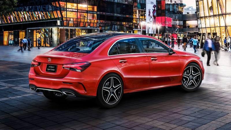 Công bố giá bán Mercedes-Benz A-Class 2018 thế hệ mới - Hình 2