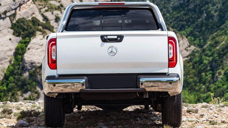 Bán tải Mercedes-Benz X-Class có thêm nguồn động lực mới