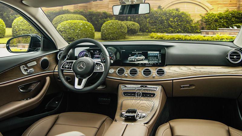 So sánh khác biệt giữa Mercedes E200 và E200 Sport mới tại Việt Nam - Ảnh 4
