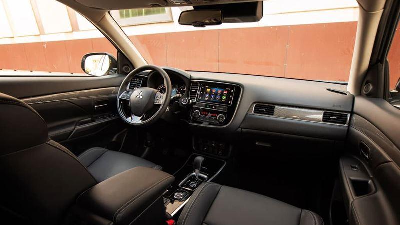 Mitsubishi Outlander 2020 mới nâng cấp thiết kế và trang bị - Ảnh 4