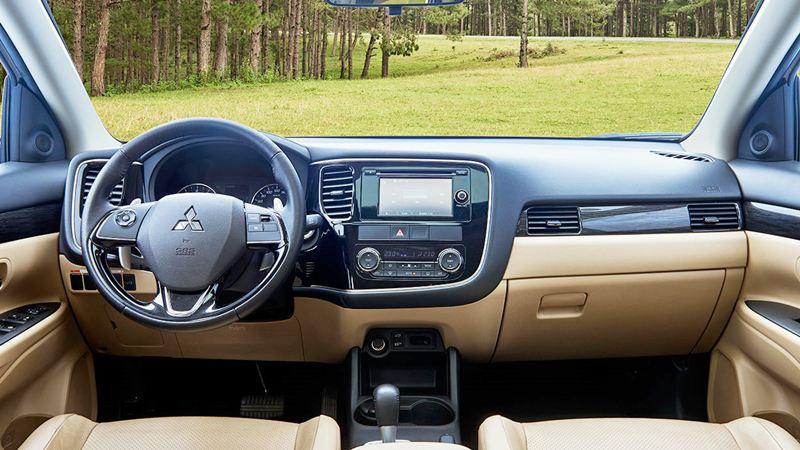 So sánh xe Mitsubishi Outlander và Honda CR-V 2018 bản 7 chỗ - Ảnh 11