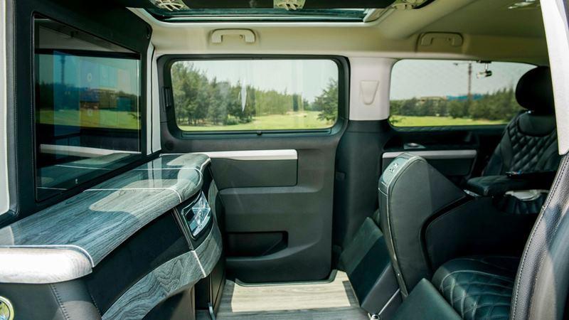 So sánh khác biệt giữa Peugeot Traveller bản 7 chỗ và 4+2 chỗ ngồi - Ảnh 7
