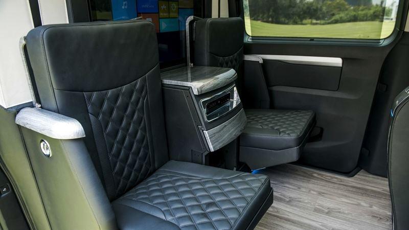 So sánh khác biệt giữa Peugeot Traveller bản 7 chỗ và 4+2 chỗ ngồi - Ảnh 9