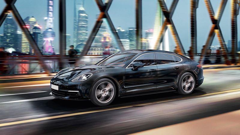 Đánh giá xe Porsche Panamera 2018 - Hình 1