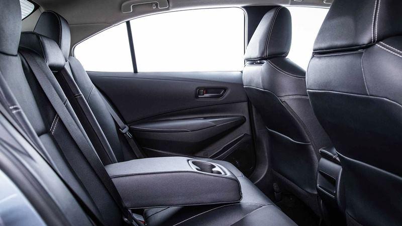 Chi tiết trang bị trên xe Toyota Corolla Altis 2020 phiên bản 1.8L - Ảnh 12
