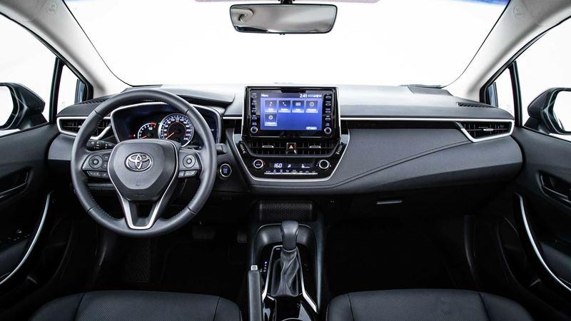 Chi tiết trang bị trên xe Toyota Corolla Altis 2020 phiên bản 1.8L - Ảnh 7