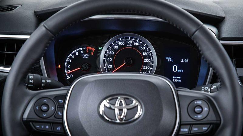 Chi tiết trang bị trên xe Toyota Corolla Altis 2020 phiên bản 1.8L - Ảnh 8