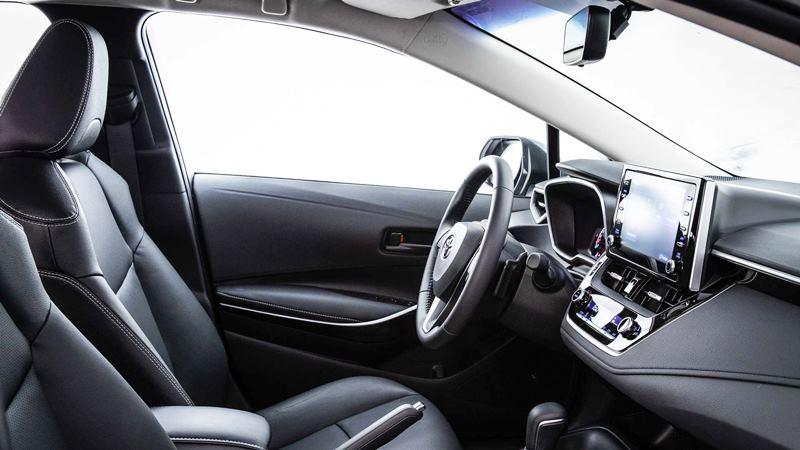 Chi tiết trang bị trên xe Toyota Corolla Altis 2020 phiên bản 1.8L - Ảnh 11