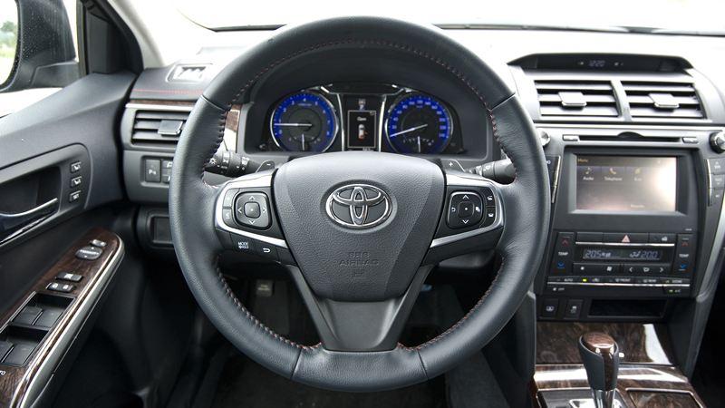 Toyota-Camry-25Q-2016-tuvanmuaxe-29