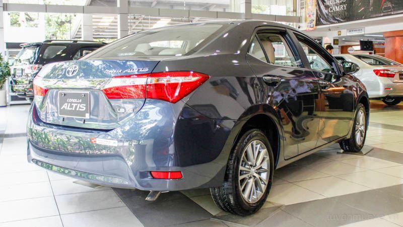 Toyota-Corolla-Altis-2016-tuvanmuaxe-06