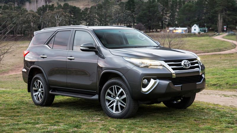 Toyota-Fortuner-2017-tuvanmuaxe_vn-2