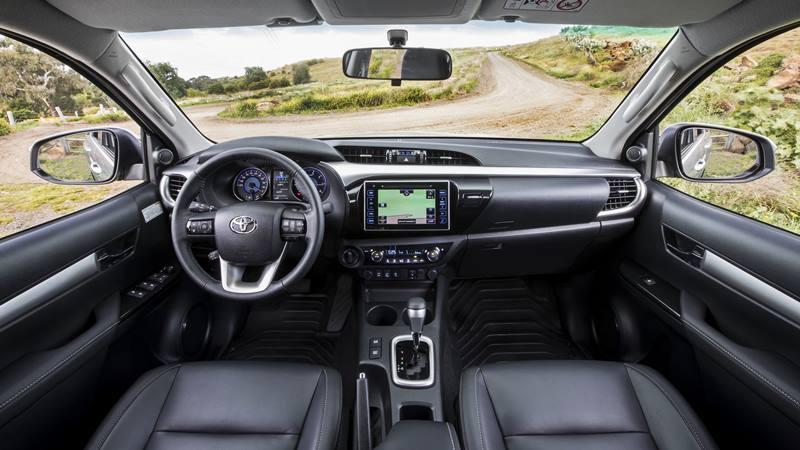 Chi tiết Toyota Hilux MLM 2018 tại Việt Nam - 2.4E 4X2 AT và 2.8G 4x4 AT - Ảnh 3
