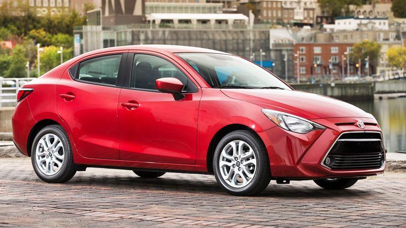 Toyota Yaris sedan 2016, một phiên bản khác của Mazda 2 - Ảnh 1