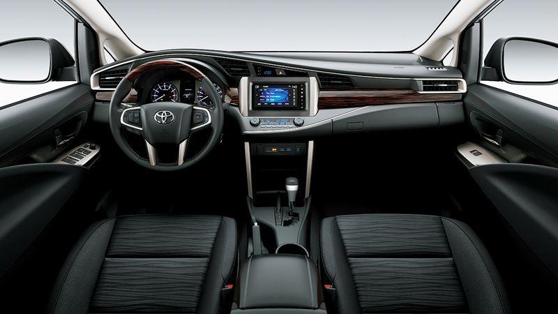 Chi tiết Toyota Innova Venturer 2018 có giá bán 855 triệu đồng - Ảnh 4