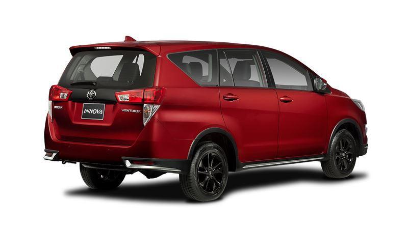 Chi tiết Toyota Innova Venturer 2018 có giá bán 855 triệu đồng - Ảnh 2
