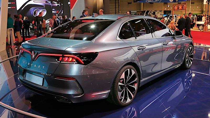 Vinfast-lux-a20-2019-sedan-tuvanmuaxe-2