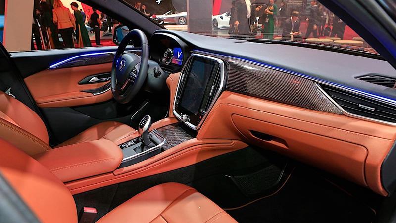 Sedan VinFast LUX A2.0 chính thức gia nhập phân khúc D với giá ưu đãi 800 triệu đồng - Hình 2