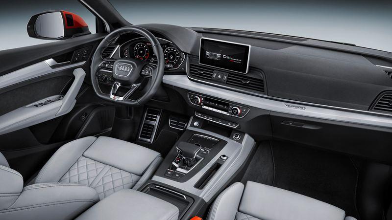 SUV hạng sang cỡ trung Audi Q5 2017 ra mắt với giá 50.555 USD