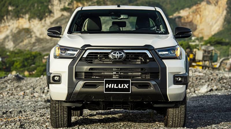 Chi tiết bản cao cấp Toyota Hilux 2.8L 4x4 AT Adventure 2020 mới - Ảnh 2