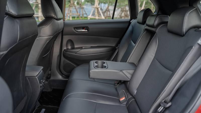 Đánh giá ưu nhược điểm xe Toyota Corolla Cross 2020-2021 mới - Ảnh 6