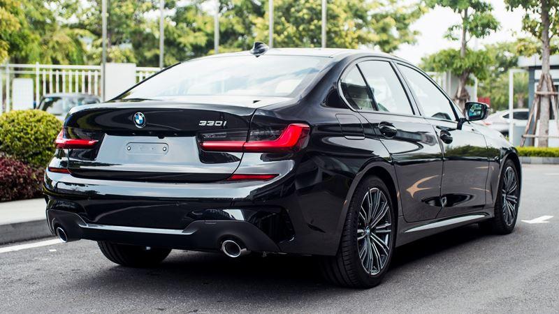 So sánh khác biệt hai phiên bản BMW 330i Sportline và 330i M Sport - Ảnh 5