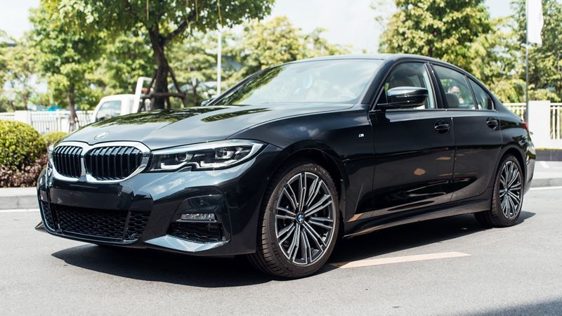 So sánh khác biệt hai phiên bản BMW 330i Sportline và 330i M Sport - Ảnh 3