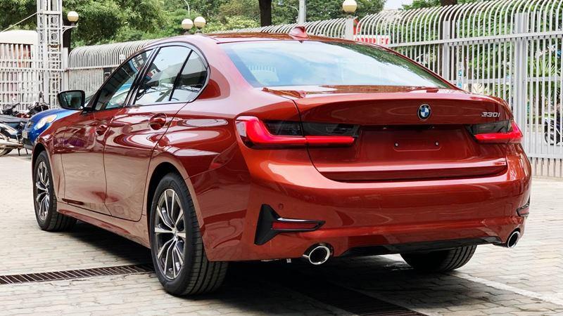 So sánh khác biệt hai phiên bản BMW 330i Sportline và 330i M Sport - Ảnh 4