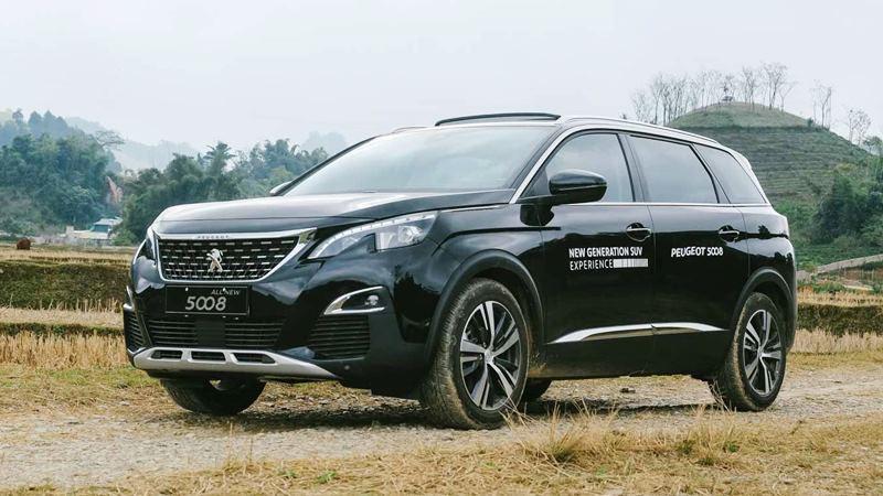Trải nghiệm nhanh Peugeot 5008 lắp ráp - đối thủ Toyota Fortuner nhập ngoại