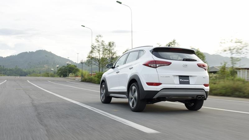 Thông số kỹ thuật xe Hyundai Tucson 2018 lắp ráp tại Việt Nam - Ảnh 8
