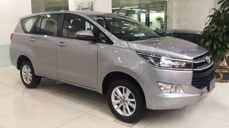 Chi tiết xe Toyota Innova 2.0E MT 2018 - phiên bản bán chạy nhất - Ảnh 2