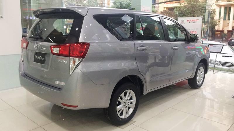 Chi tiết xe Toyota Innova 2.0E MT 2018 - phiên bản bán chạy nhất - Ảnh 3