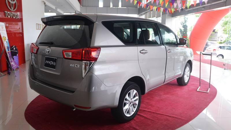 Chi tiết xe Toyota Innova 2.0E MT 2018 - phiên bản bán chạy nhất - Ảnh 4