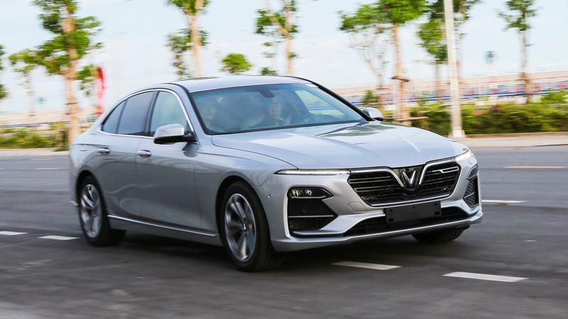 So sánh giá xe sedan 1 tỷ - Camry, LUX A2.0, Mazda6, Accord - Ảnh 3