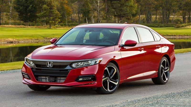 Giá xe Honda Accord 2018 - Hình 1