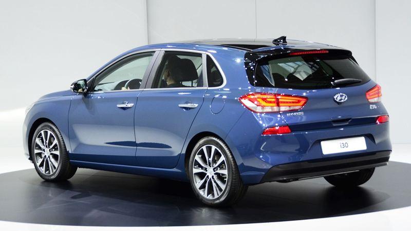 Giá xe Hyundai i30 2017 từ 23.940 USD được bán từ tháng 1/2017 2