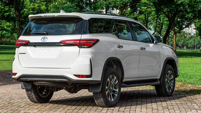 gia-ban-xe-Toyota-Fortuner-2021-viet-nam-tuvanmuaxe-5