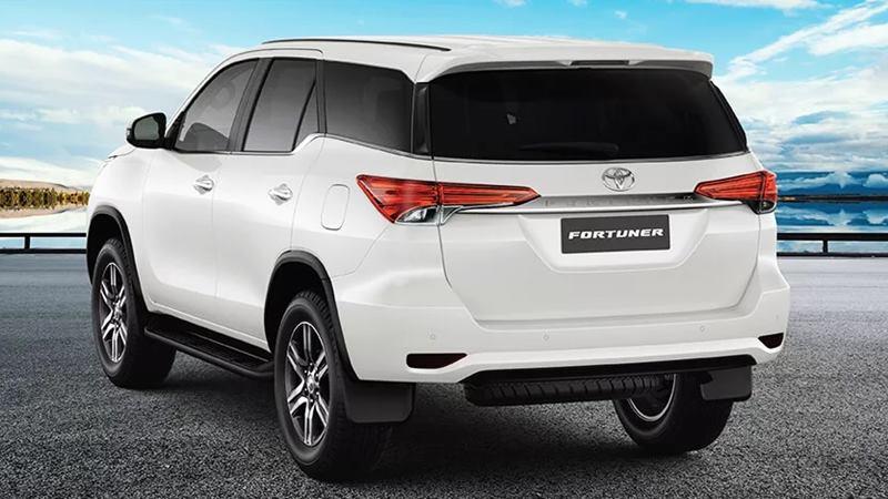 gia-ban-xe-Toyota-Fortuner-2021-viet-nam-tuvanmuaxe-