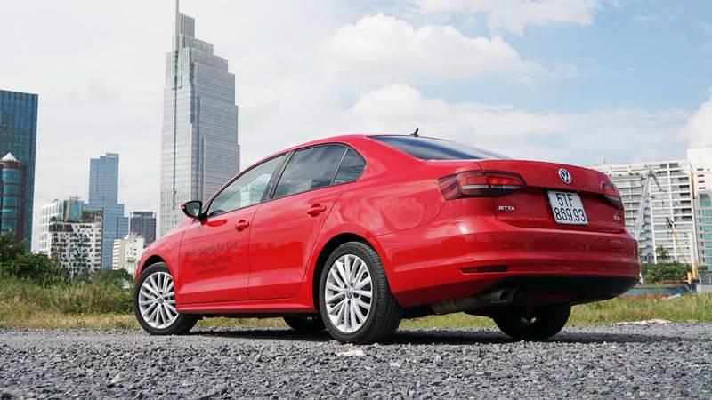 Volkswagen Jetta tại Việt Nam giảm giá lên đến 100 triệu đồng - Hình 2
