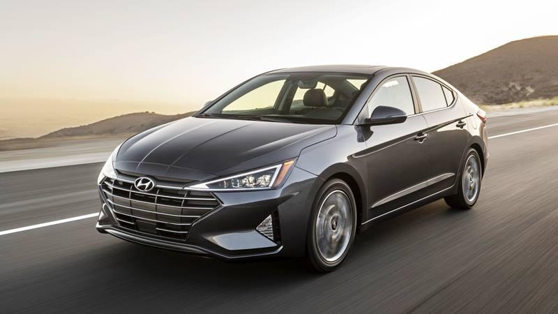 Hyundai Elantra 2019 phiên bản mới nâng cấp - Ảnh 1
