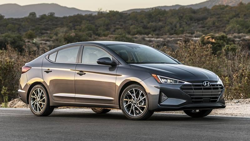Hyundai Elantra 2019 phiên bản mới nâng cấp - Ảnh 2