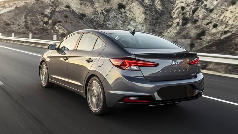 Hyundai Elantra 2019, phiên bản nâng cấp có giá từ 419 triệu đồng - Hình 2