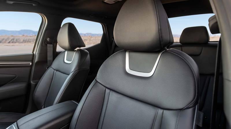 Xe bán tải Hyundai Santa Cruz 2022 trang bị động cơ xăng - Ảnh 6