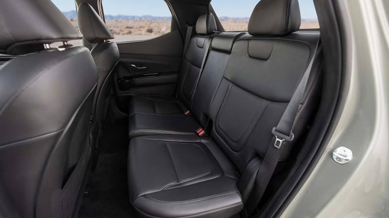 Xe bán tải Hyundai Santa Cruz 2022 trang bị động cơ xăng - Ảnh 7