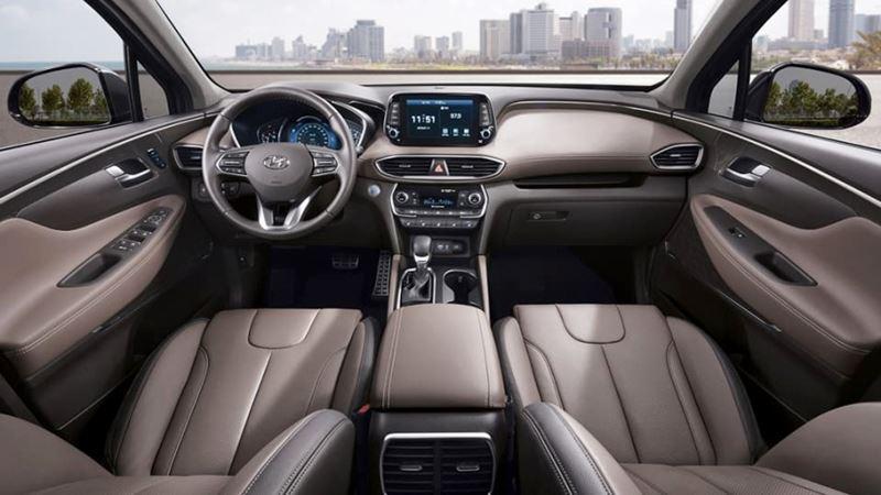 Chờ đón thế hệ mới, doanh số Hyundai Santa Fe liên tục giảm tại Việt Nam - Hình 2