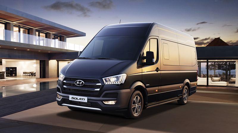 Mua xe 16 chỗ - chọn Ford Transit, Hyundai Solati hay Toyota Hiace - Ảnh 3