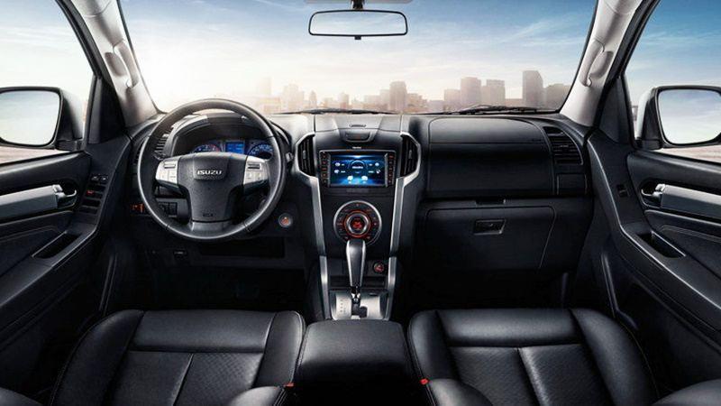 So sánh Isuzu MU-X và Chevrolet Trailblazer 2018 bản số sàn, xe dịch vụ - Ảnh 8