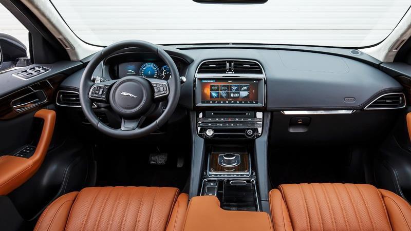 Đánh giá chi tiết xe Jaguar F-Pace 2018 - Hình 2